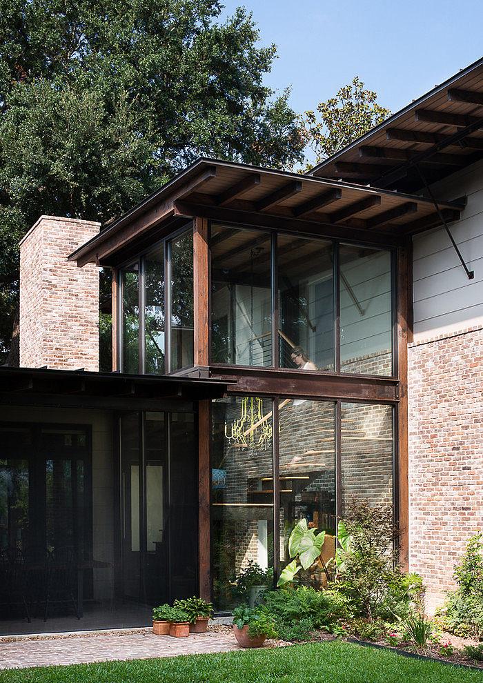 contemporary-mixed-single-family-residence (17)