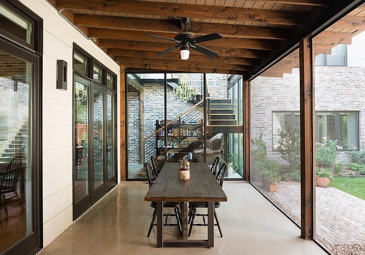 contemporary-mixed-single-family-residence (6)