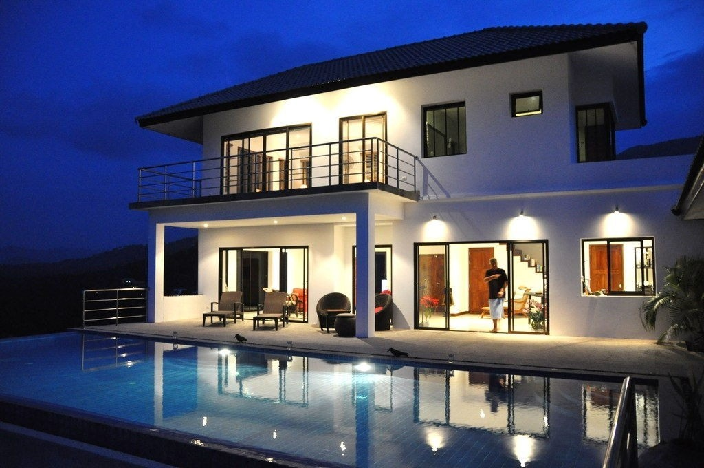 contemporary villa with swimming pool (1)