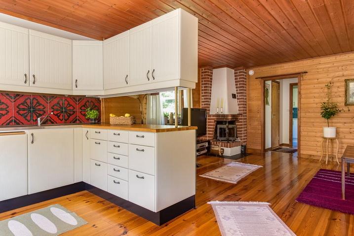 cozy-black-cottage (11)