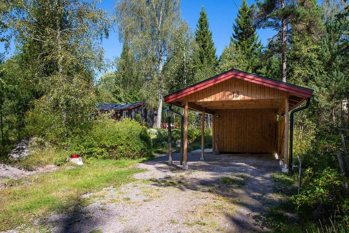 cozy-black-cottage (26)