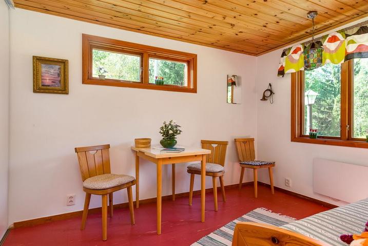 cozy-black-cottage (27)
