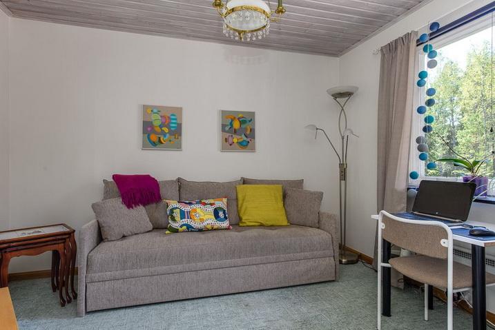 cozy-black-cottage (4)