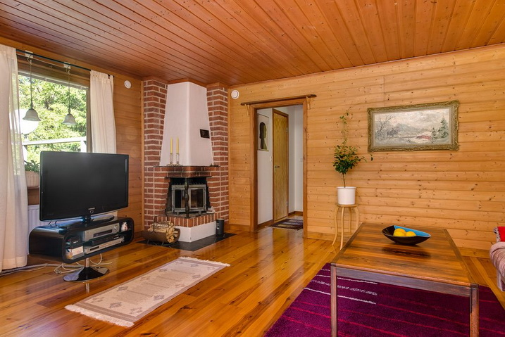 cozy-black-cottage (8)