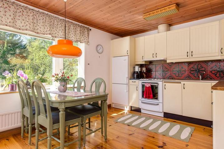 cozy-black-cottage (9)