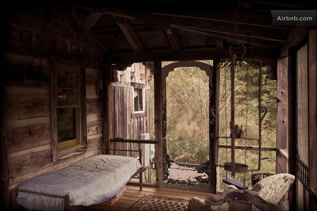cozy cabin residence (11)