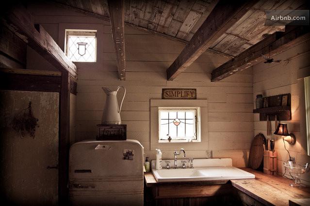 cozy cabin residence (3)
