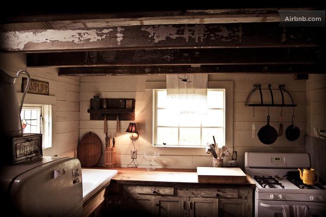 cozy cabin residence (4)