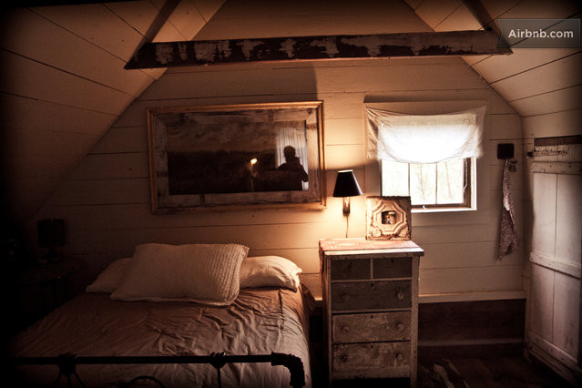 cozy cabin residence (9)