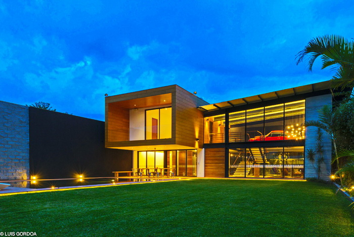 cozy modern house with swimming pool (3)