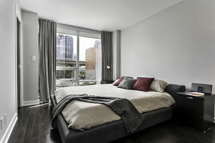 extreme-modern-loft-apartment (7)