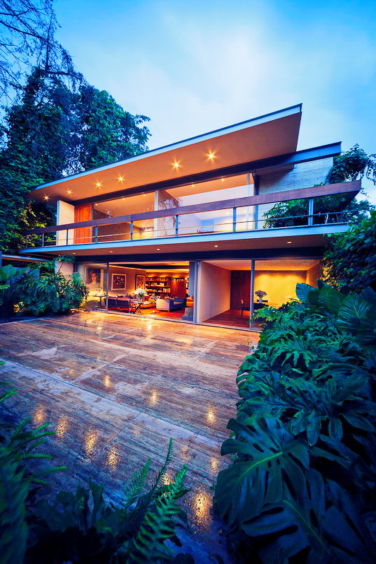 impeccable-2-story-modern-concrete-house-3