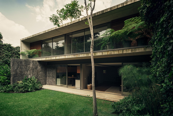 impeccable-2-story-modern-concrete-house (8)
