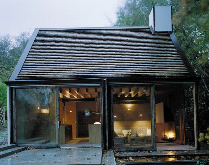 little glass house in forest (8)