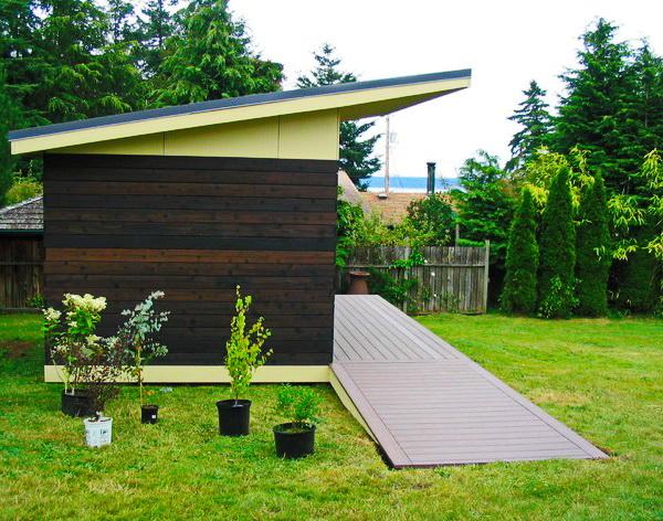 modern black shed in backyard (3)