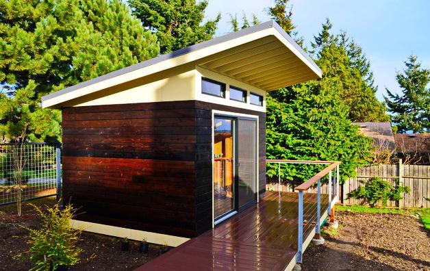 modern black shed in backyard (4)