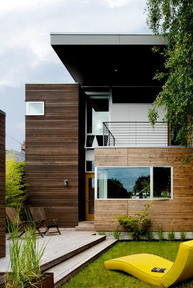 modern house with private garden (1)