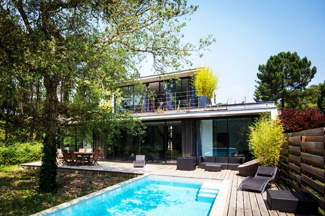 modern-villa-with-lovely-picturesque-site (2)