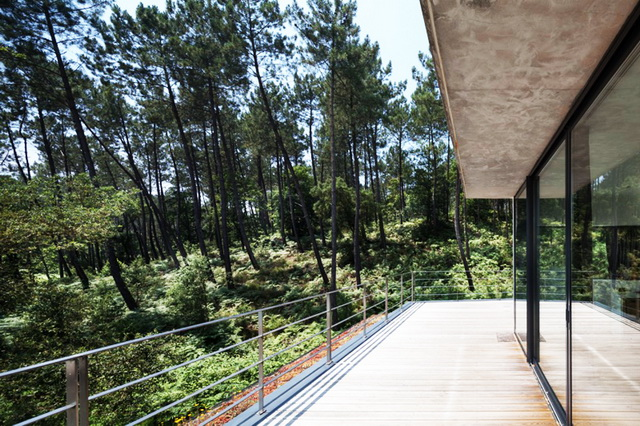 modern-villa-with-lovely-picturesque-site (4)