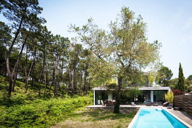 modern-villa-with-lovely-picturesque-site (5)