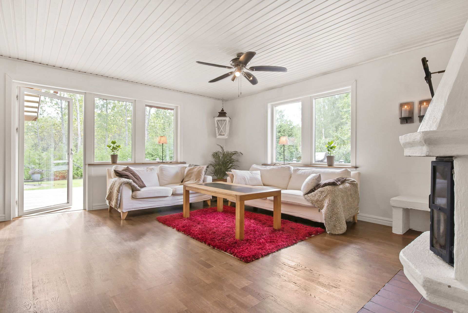 red cottage with relaxing atmosphere (2)