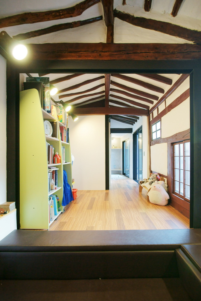 renovated-classical-korean-urban-residence (13)
