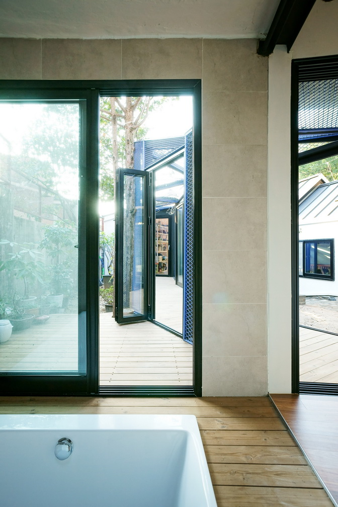 renovated-classical-korean-urban-residence (19)