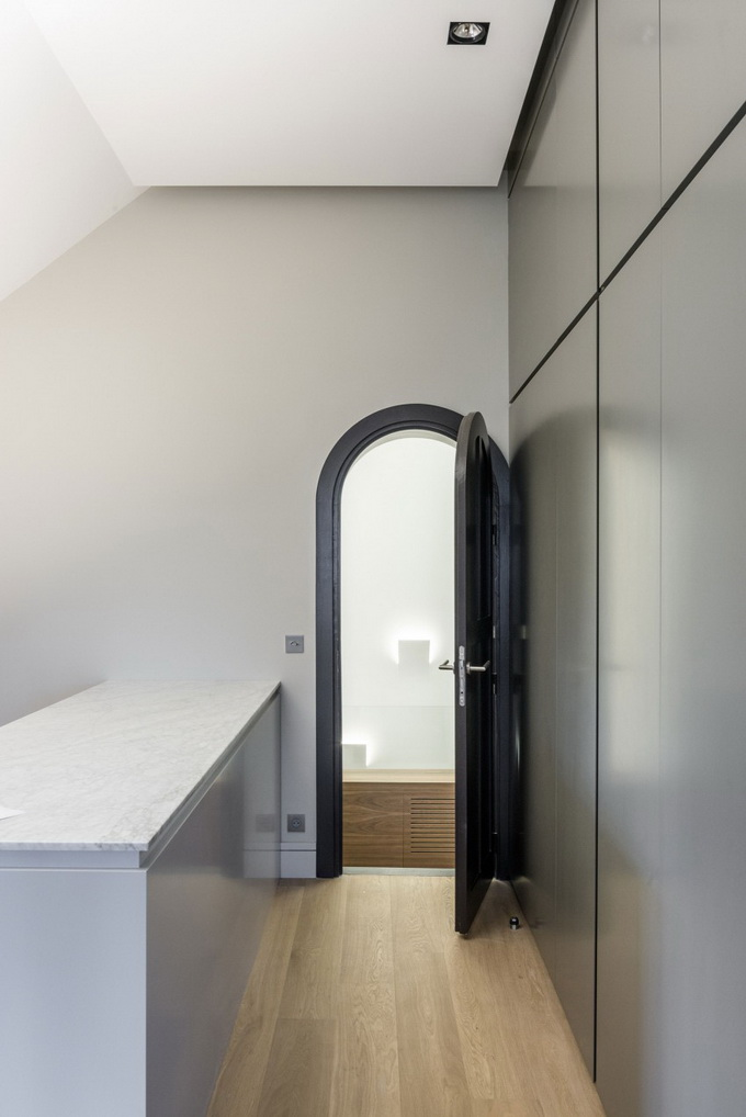 renovated classical modern house (10)
