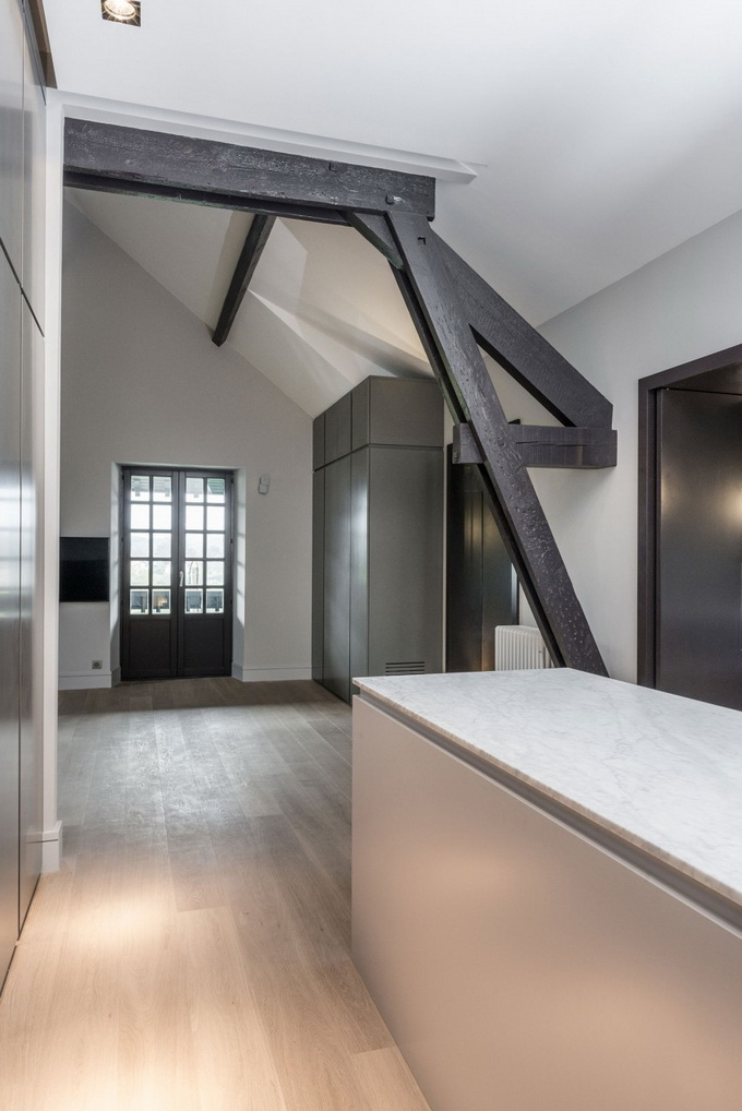renovated classical modern house (15)