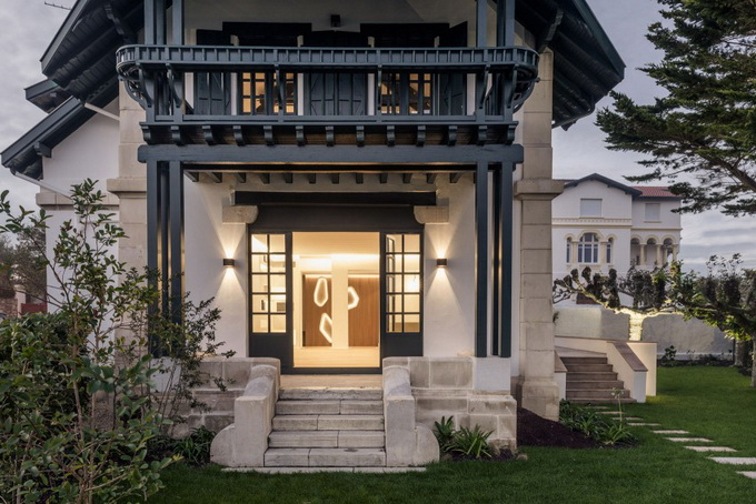 renovated classical modern house (18)