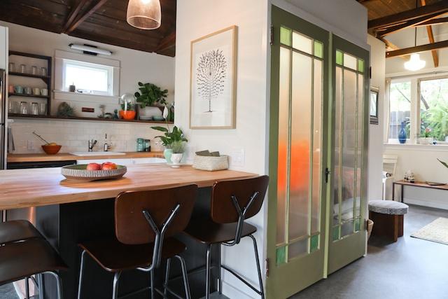 renovated garage to pool house (12)