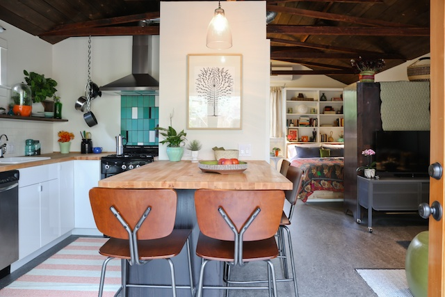 renovated garage to pool house (8)