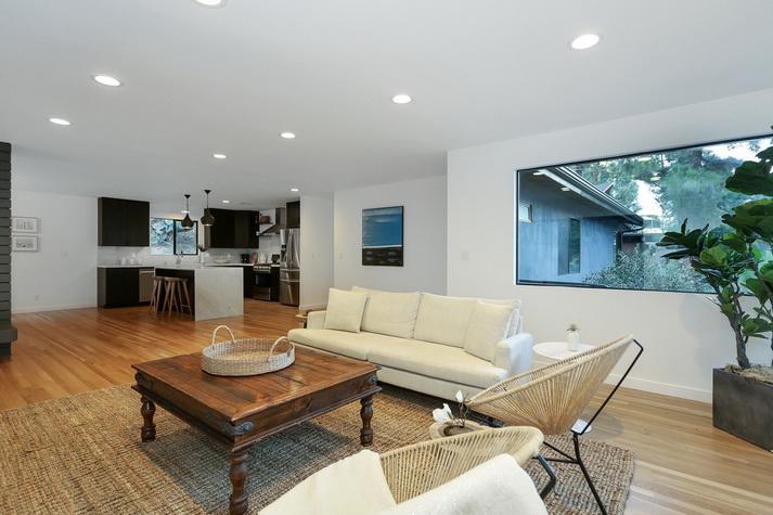 stylish modern concrete house (9)