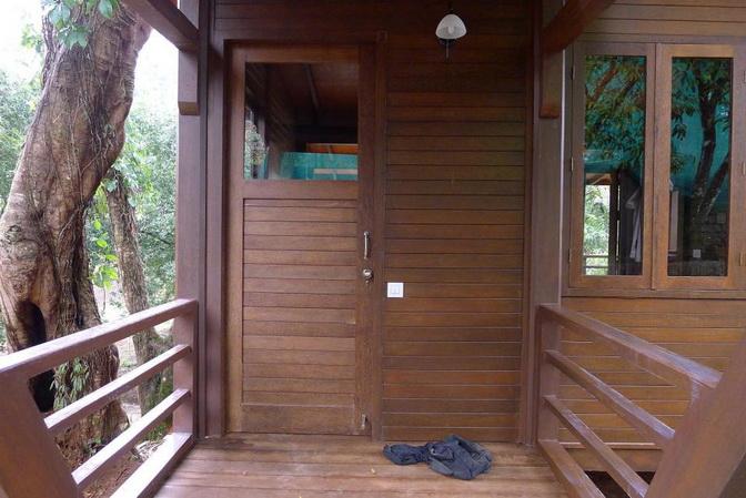tea platation guest cabin (13)