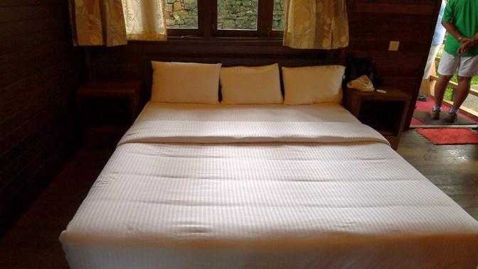 tea platation guest cabin (20)
