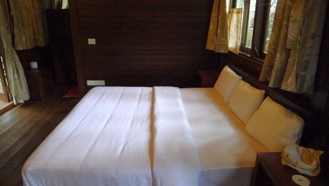 tea platation guest cabin (6)