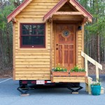 บ้านไม้จิ๋ว พร้อมสำหรับการเคลื่อนที่ จัดสรรพื้นที่สำหรับใช้ชีวิตอย่างลงตัวในขนาดกระทัดรัด