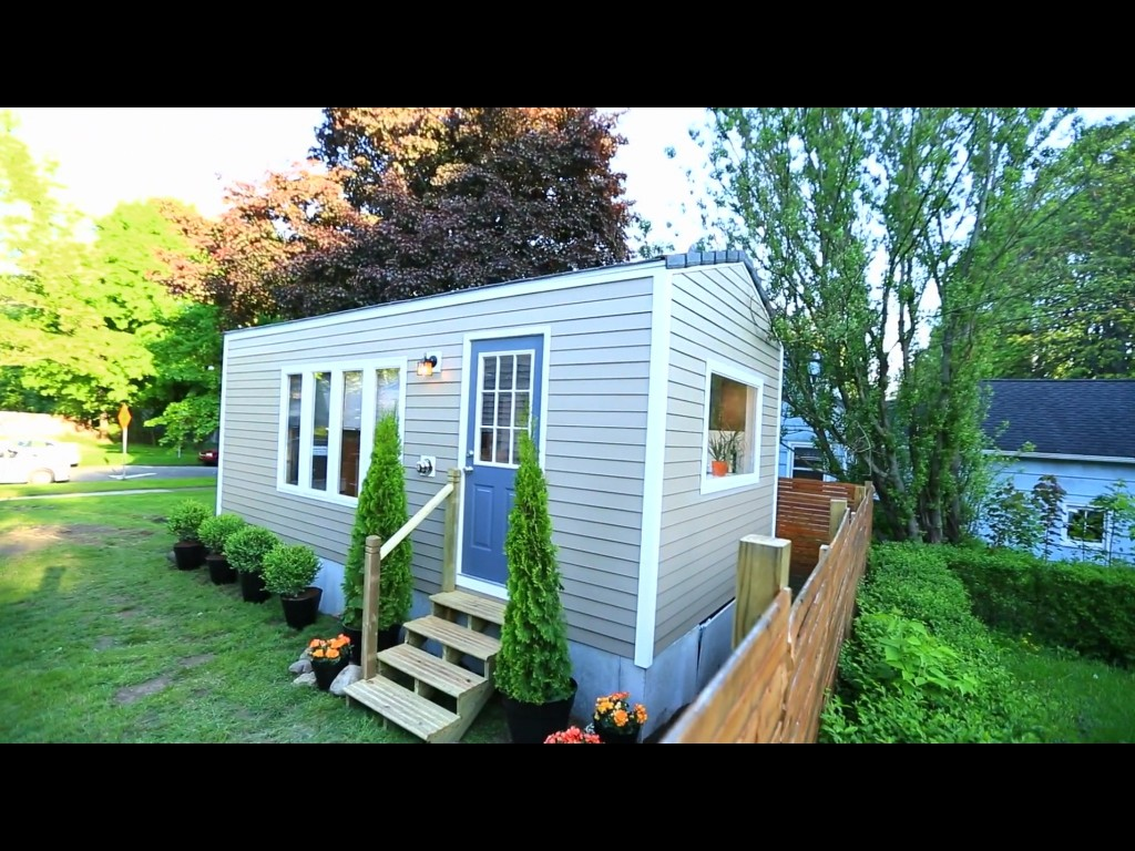 tiny house living parking (1)
