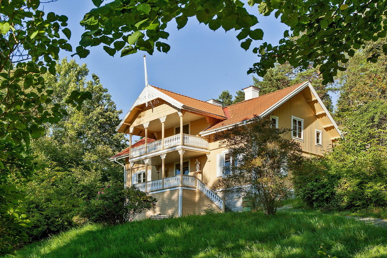 two story classical peaceful house (3)