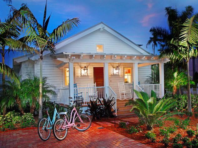 white coastal cottage (1)