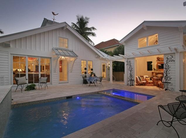 white coastal cottage (14)