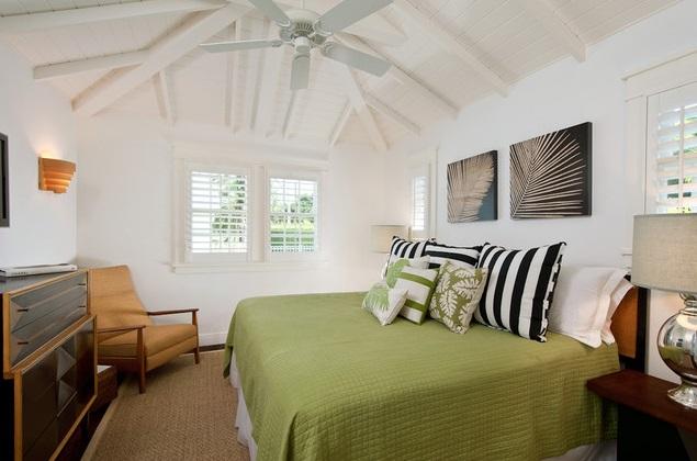 white coastal cottage (7)
