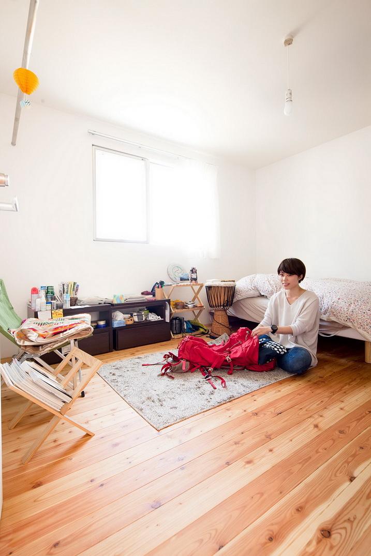 white loft apartment (16)
