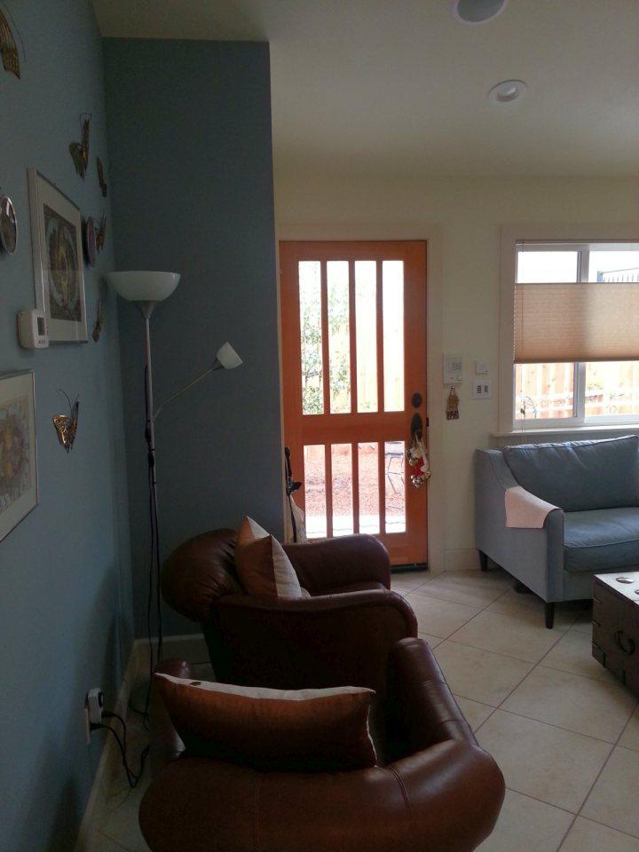 white-plain-cozy-cottage (2)