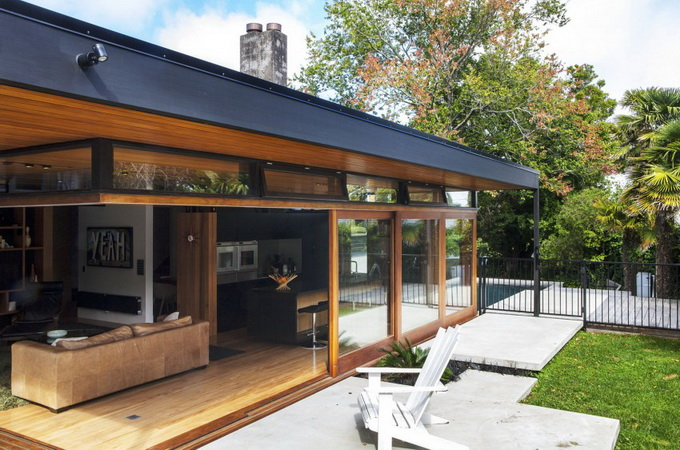 wooden glass house  (3)