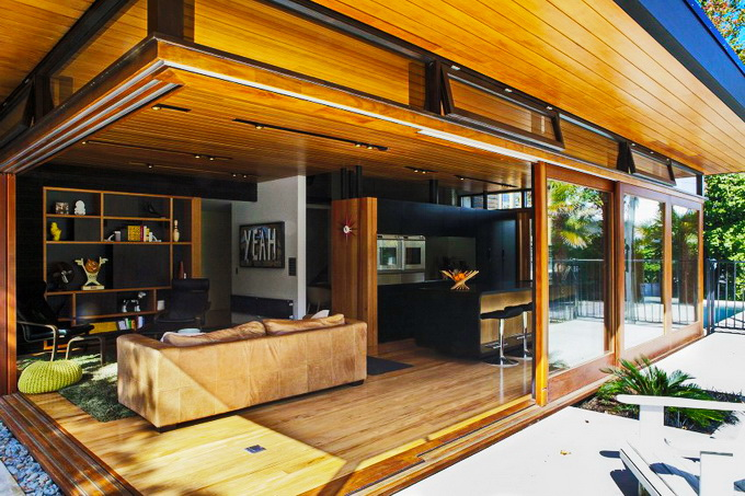 wooden-glass-house-4