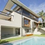 บ้านพักตากอากาศสไตล์โมเดิร์น กับงานไม้สวยๆภายใน พร้อมสระว่ายน้ำสุดหรูในตัว