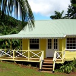 บ้านคอทเทจหลังสีเหลือง สไตล์แคริบเบียน ความอบอุ่นแบบสำเร็จรูป