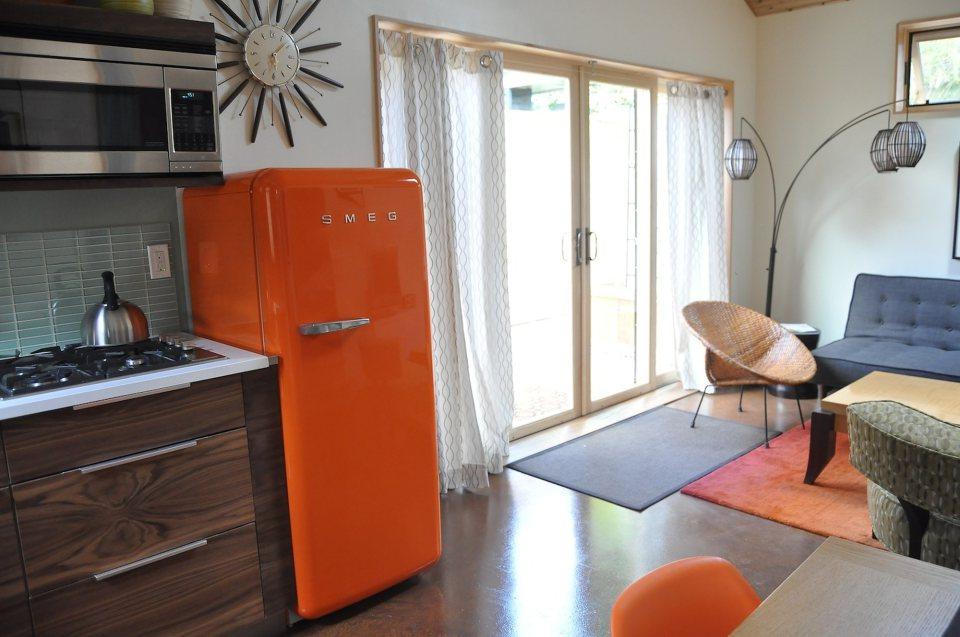 yellow cozy cottage (12)