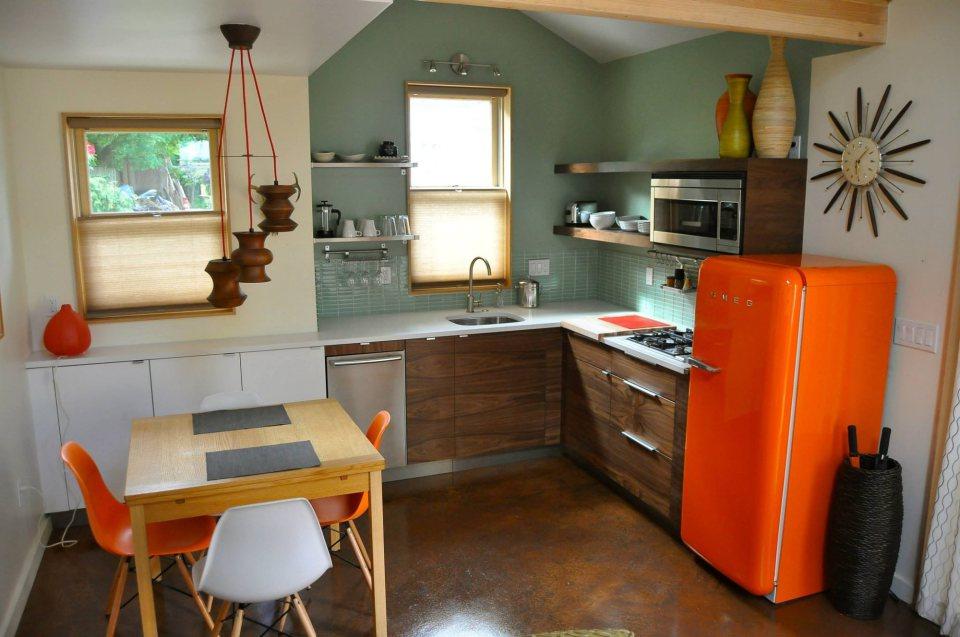 yellow cozy cottage (7)